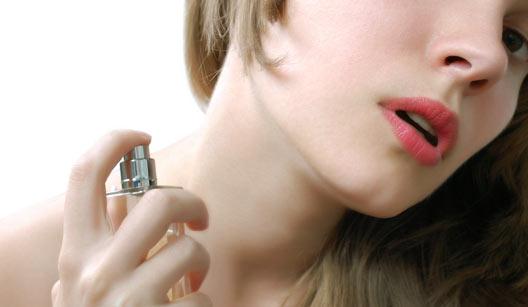 Passe o perfume antes de colocar sua joia!!